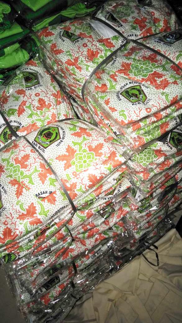 Batik Madrasah Ibtidaiyah Negeri Buol Sulawesi Tengah